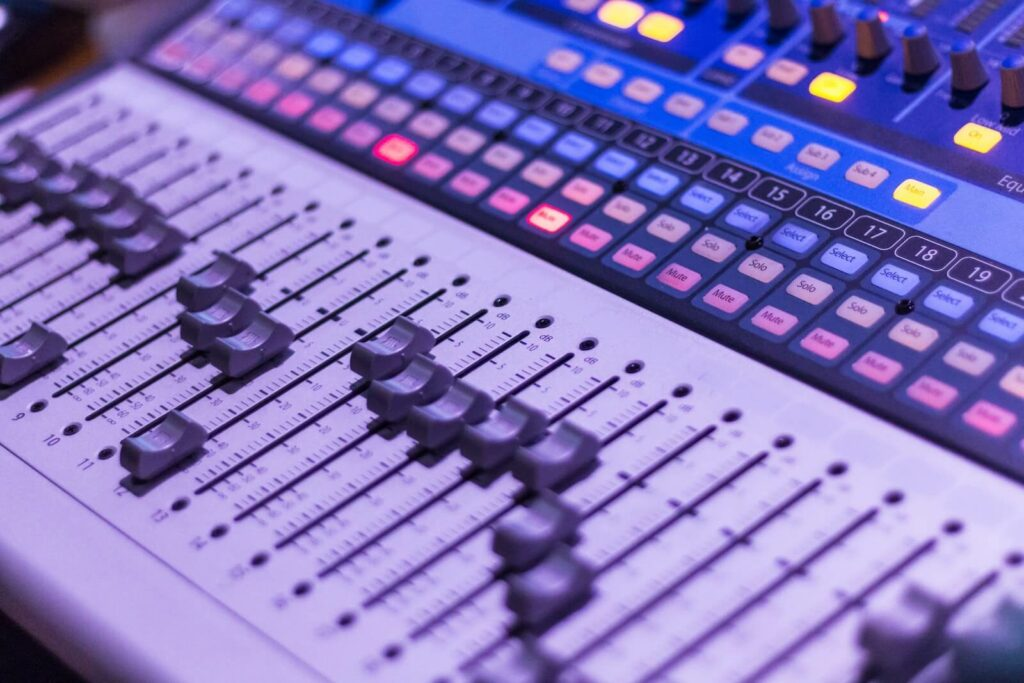 how to make headphones louder - equalizer