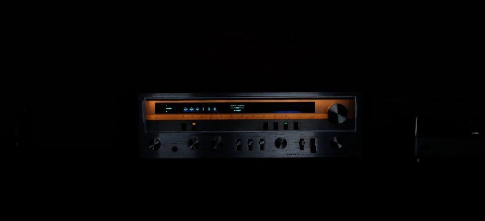 active vs passive speakers - amp