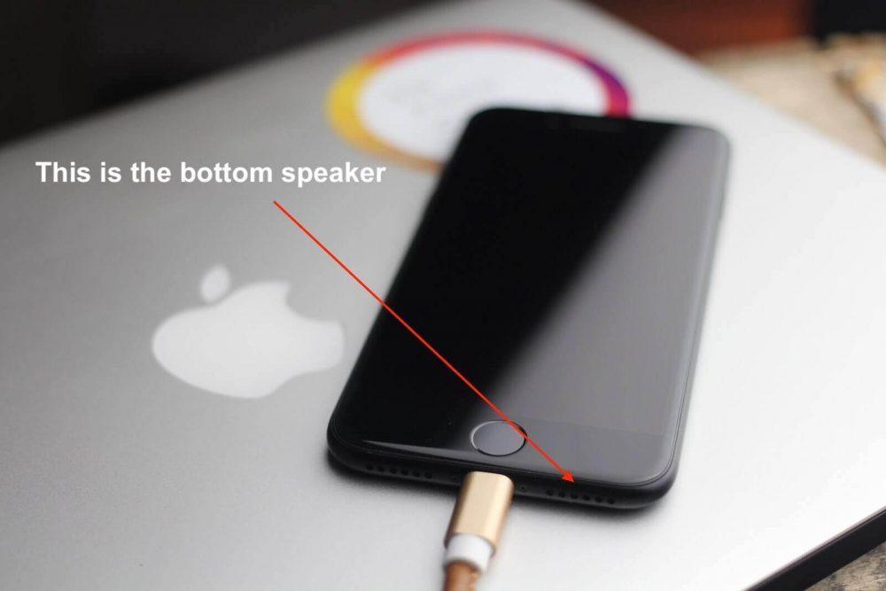 only one speaker works on iphone 7 - bottom