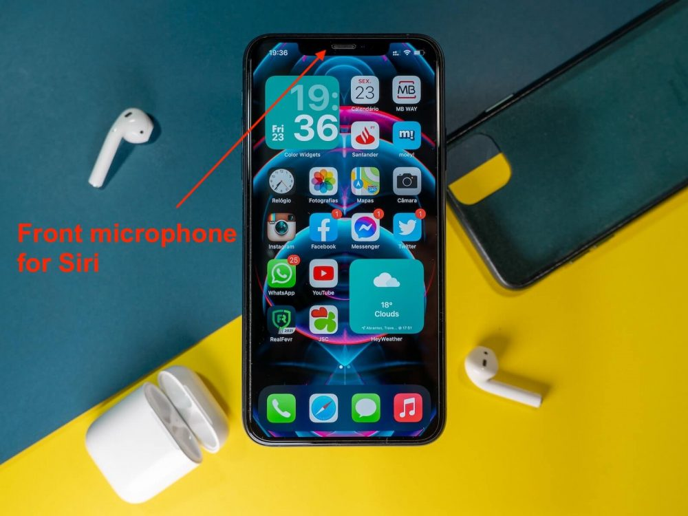 where is the microphone on iphone 11 - selfie siri