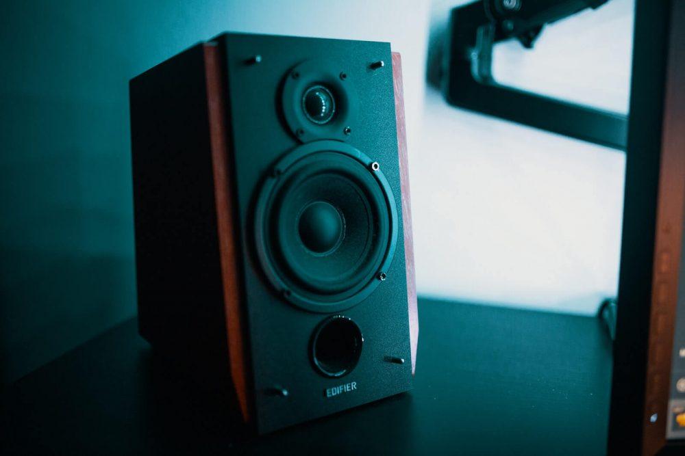 types of speakers - bookshelf