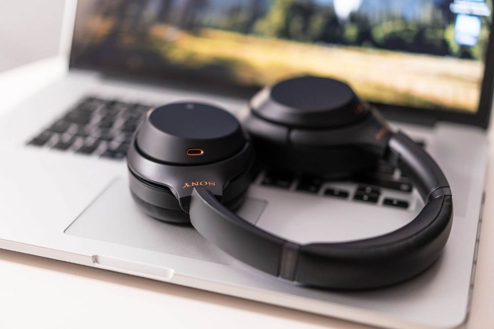 headphones that let you hear your surroundings - ambient sound technology